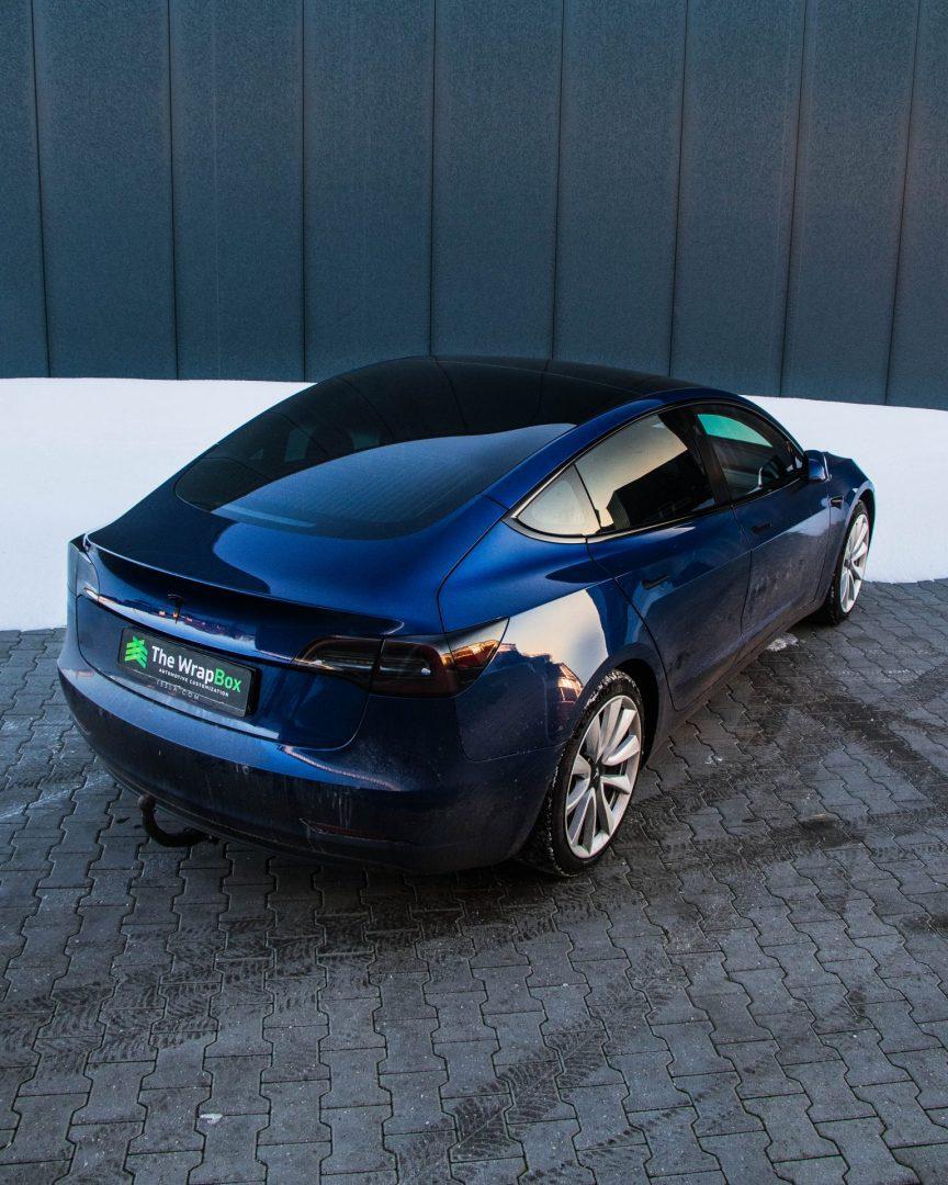 Tesla model 3 dechrome ontchromen chrome delete
